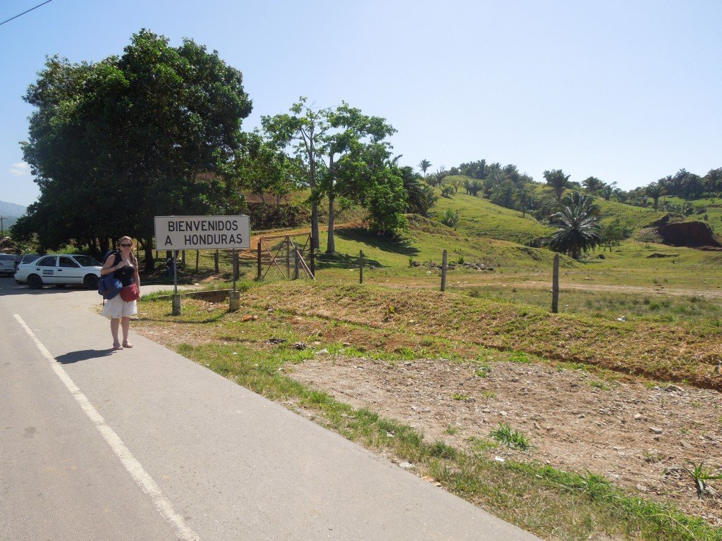 Honduras border crossing at Corinto